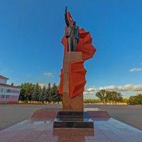 Памятник В.И. Ленину на главной площади города